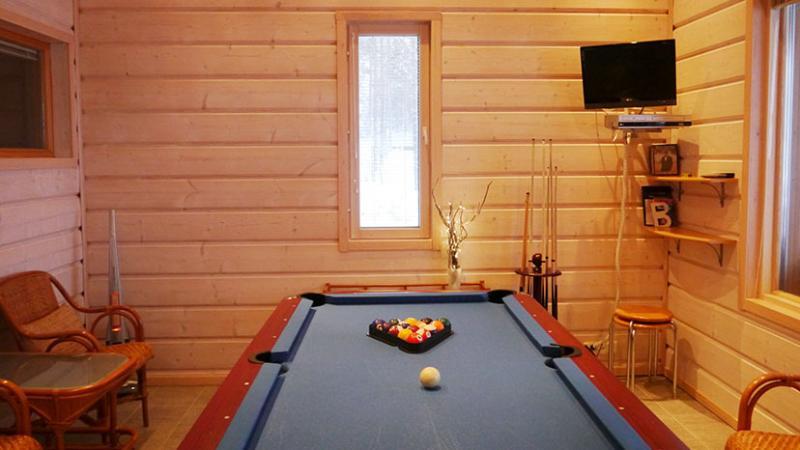 Billiard room (American pool)