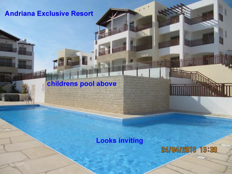 Vista del complesso Andrian dotato di 2 piscine, davvero bello pulito e tranquillo complesso di