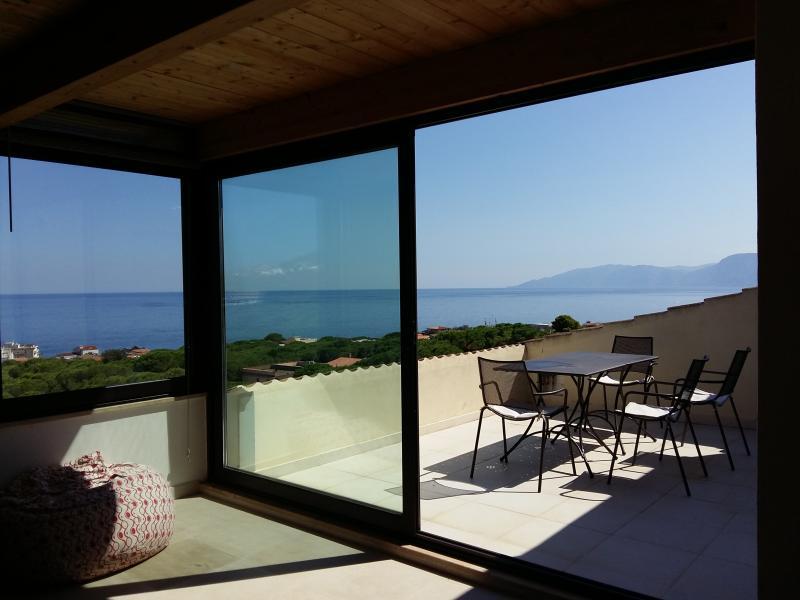 Attico con vista mozzafiato  sul Golfo di Orosei, holiday rental in Cala Gonone