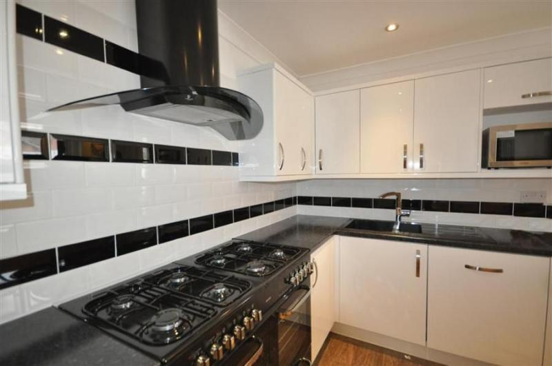 Weymouth house rental - Kitchen