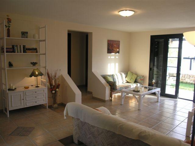 A spacious 2 bedroom bungalow in Playa de las – semesterbostad i Arona