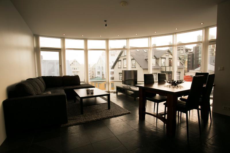 Loft Apartments - City Center, aluguéis de temporada em Reykjavik