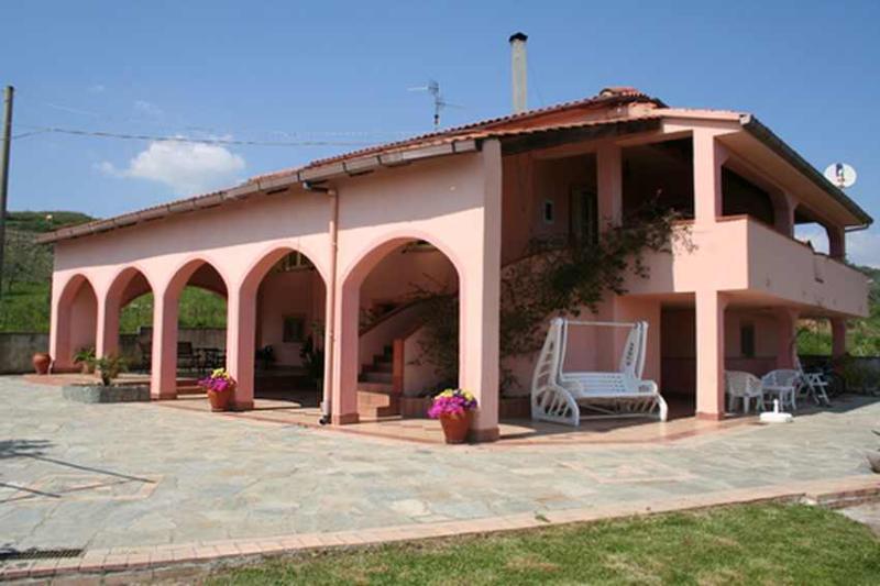 villa della bougainvillea