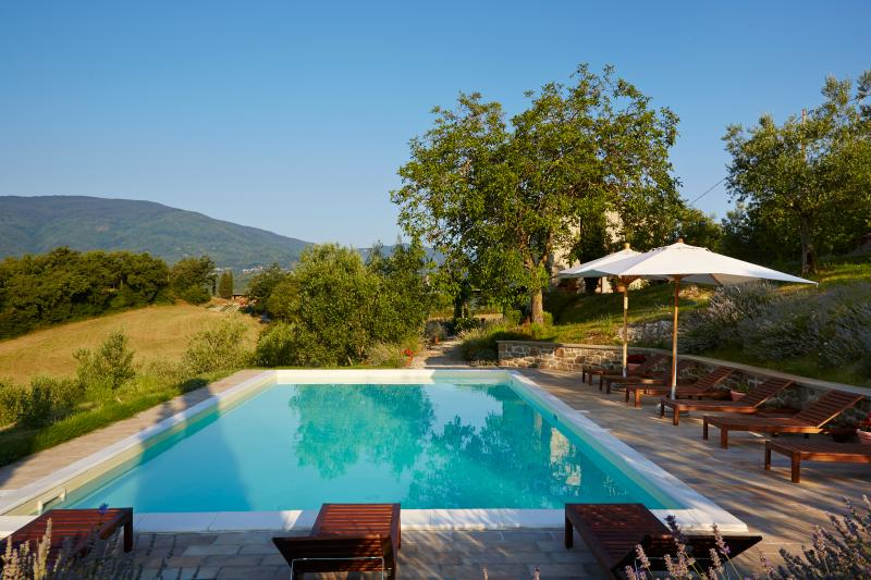 Covivoli - 12x6m pool, large sun terrace, beautifully restored farmhouse, fantastic views
