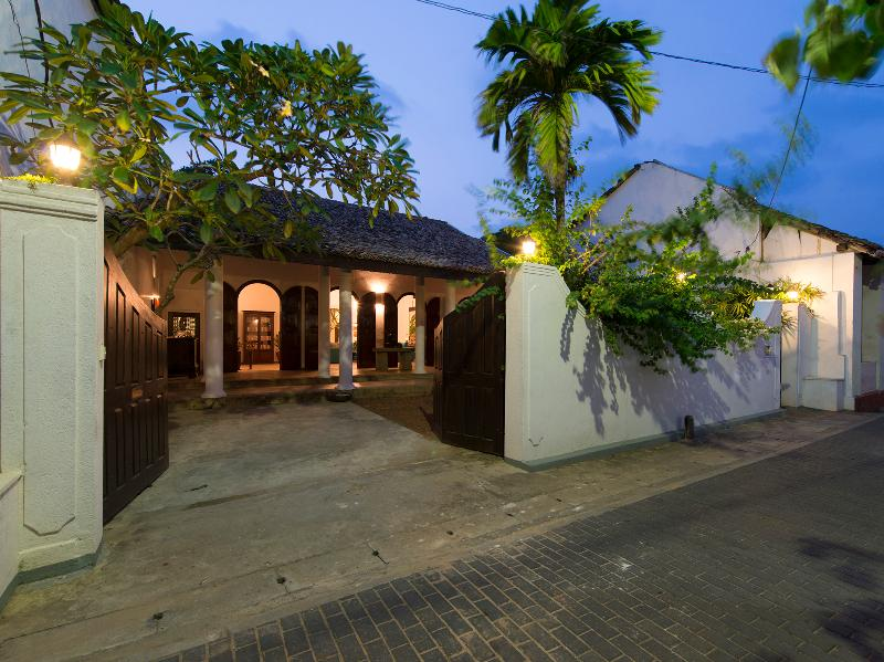 Ambassador's House, 5BR, Galle, location de vacances à Galle District