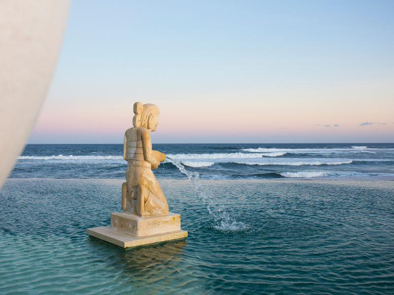 Bayu Gita Beachfront - Pool ornament