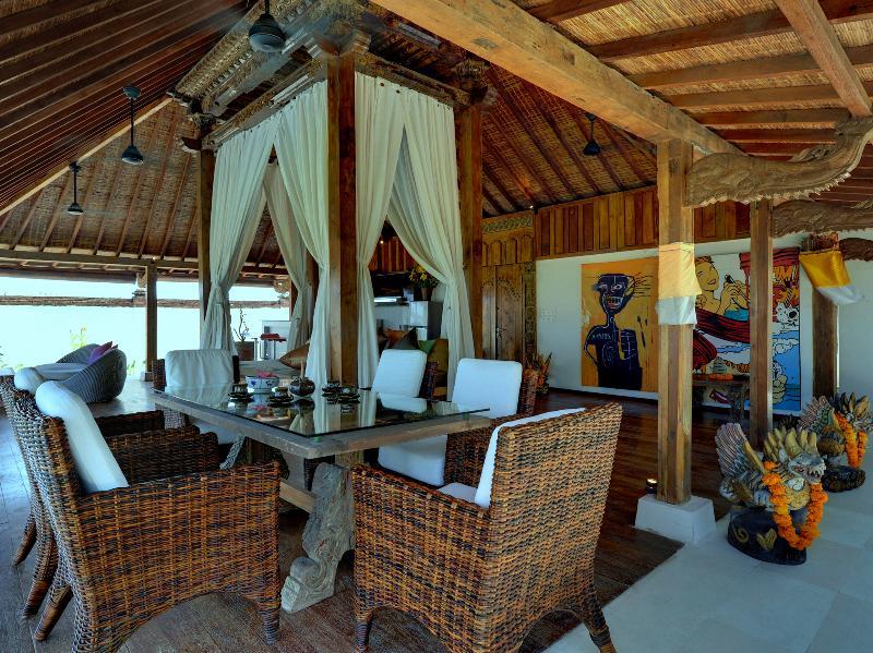 Majapahit Villas - Villa Maya - Suite Nupcial comedor