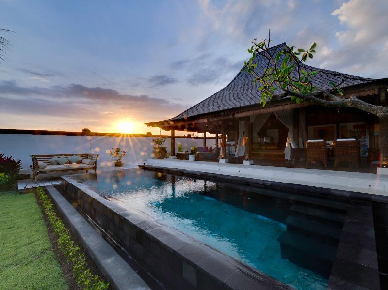 Majapahit Villas - Villa Maya - Suite nupcial al atardecer