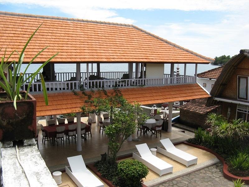 Family beachfront residence, alquiler vacacional en Sambangan