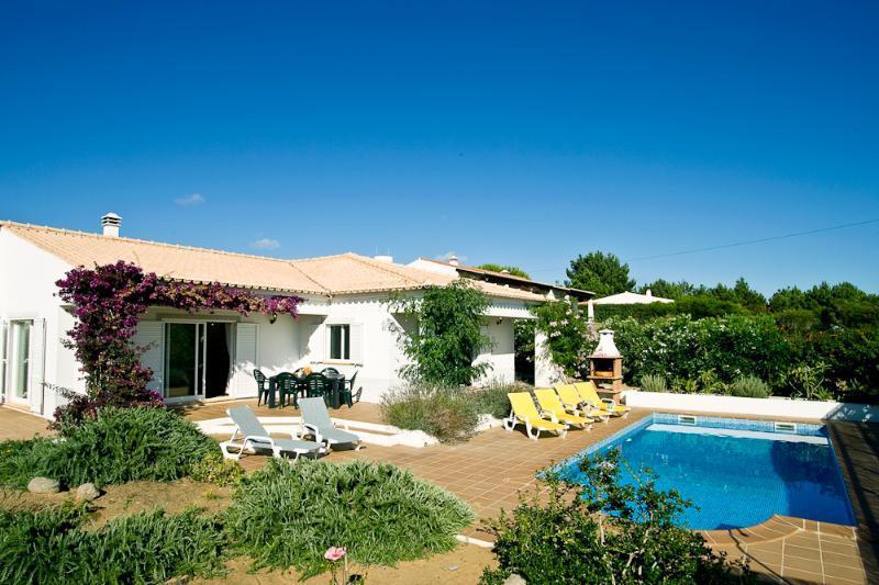 Villa with private pool, BBQ, covered and uncovered terraces