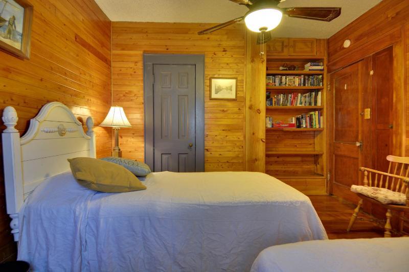 2e slaapkamer 2 eenpersoonsbedden (lang)