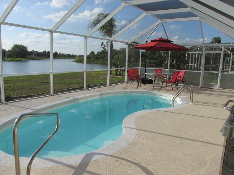 Gorgeous Home with Heated Pool on Waterfront Lake  WOW!, casa vacanza a Punta Gorda