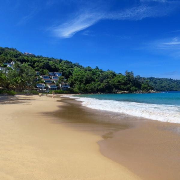 Five minute walk to Stunning Kata Noi Beach