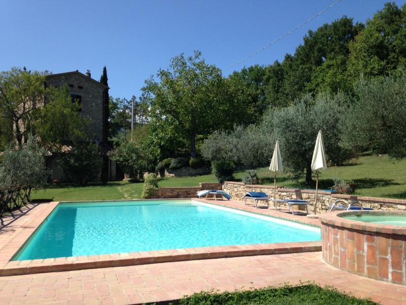 Casale Il Tulipano, holiday rental in Fratta Todina