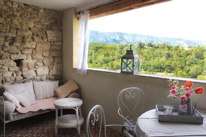 Terrace with beautiful view at the Luberon