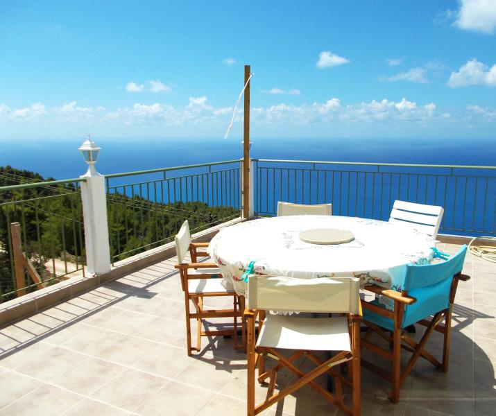 Modern holiday apartment near PORTO KATSIKI beach. The wonderful mediteranean sky from the veranda!!