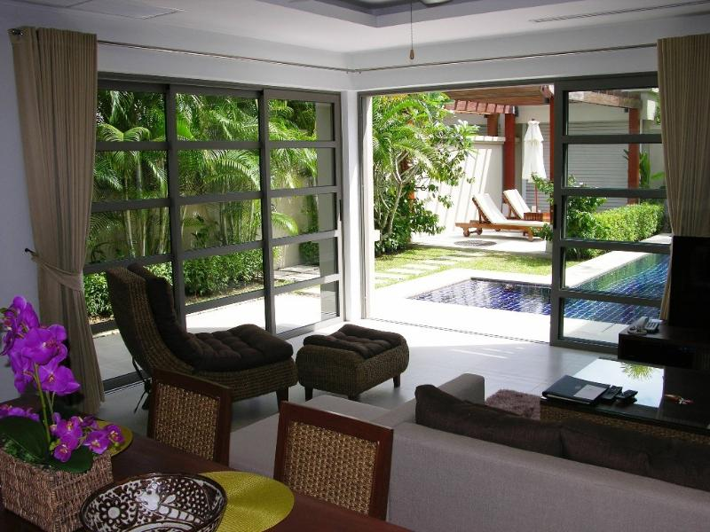 Luxury villa with private pool in resort, vacation rental in Bang Tao Beach