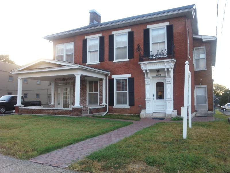 Historic Urban Oasis - Modern Amenities, holiday rental in Bowling Green
