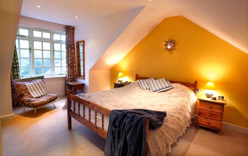 Bedroom with view onto garden