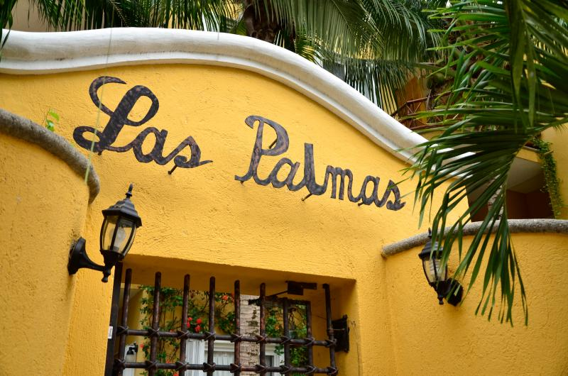 Las Palmas!   Quaint Mexican Style Complex!  Only 13 units!  Live-in Caretaker!  Secure!