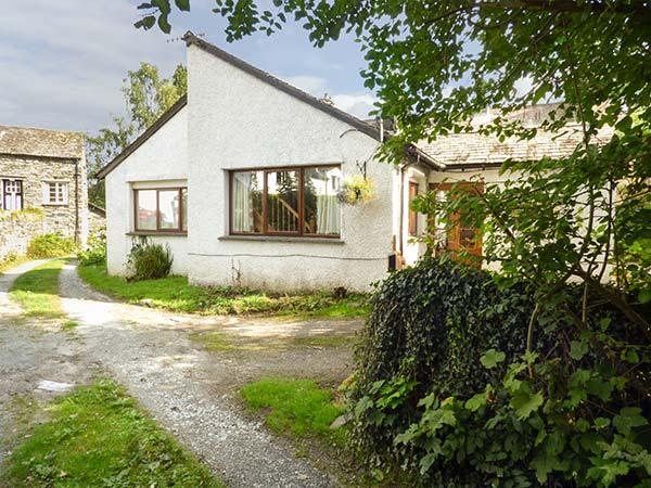HUNTER'S MOON, woodburning stove, off road parking, patio area, in Ambleside, holiday rental in Little Langdale