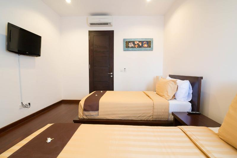 The Twin (Second Bedroom)