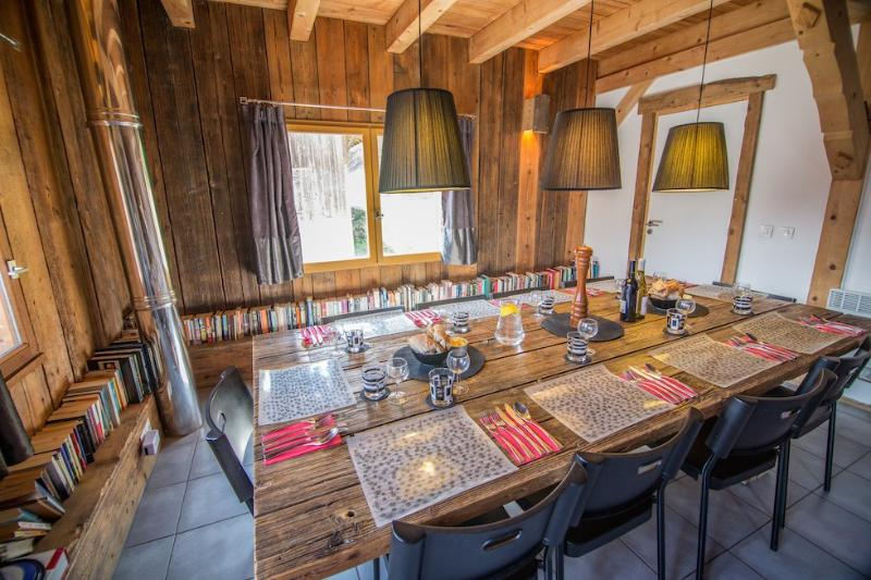 Dine on the old barn door!
