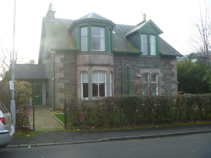 Rhu, Helensburgh, Upper cottage flat, holiday rental in Rosneath