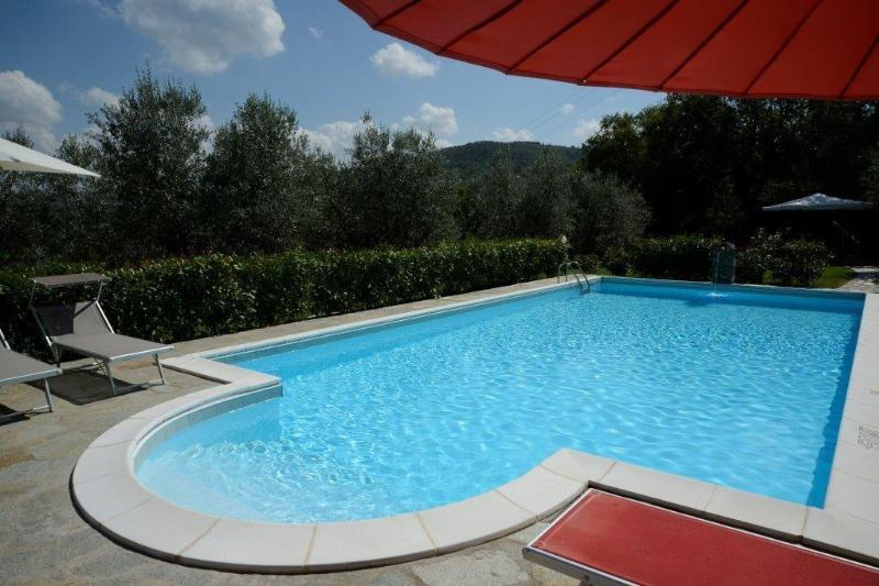 Villa Benvenuti, 30 acres, private pool, WIFI! Walk to restaurant. Chef option, vakantiewoning in Pergine Valdarno
