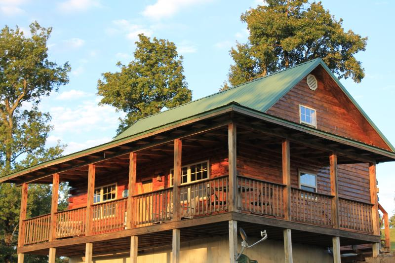 Mountain/Sunset views from the Eagles Rest Cabin on 56 acres with private hiking trail to waterfall!