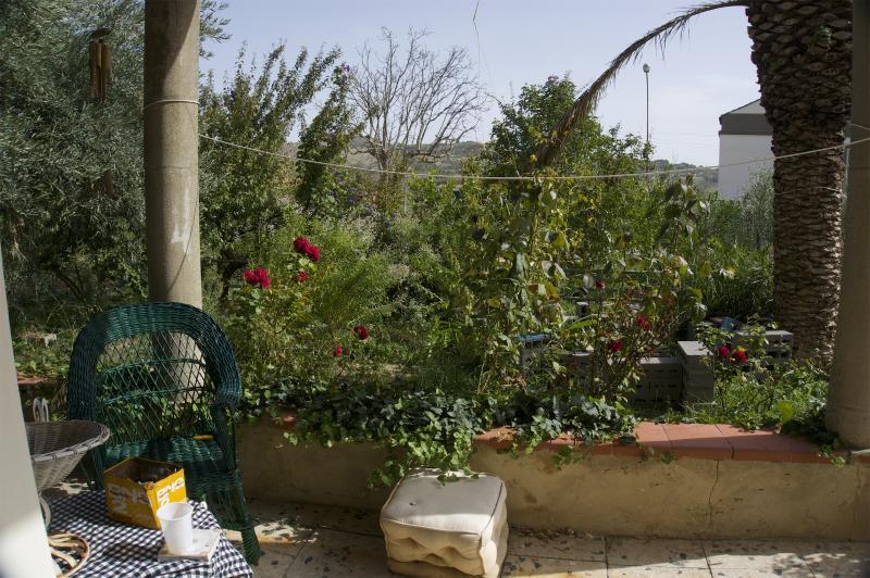 Portico sul giardino