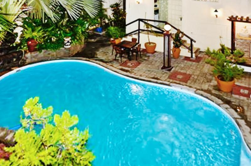 Nice studio with shared pool & Wifi, vacation rental in Grand Baie