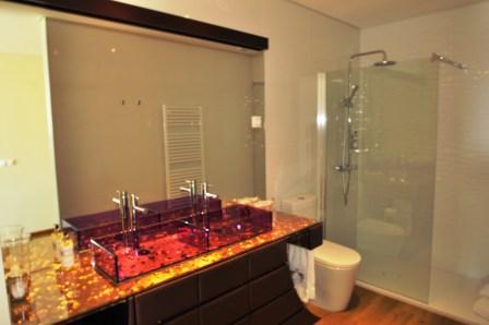 Chaque chambre a le même niveau de salle de bains