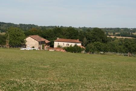 Bed & Breakfast on a French Farm selfcatering, vacation rental in Saint-Auvent