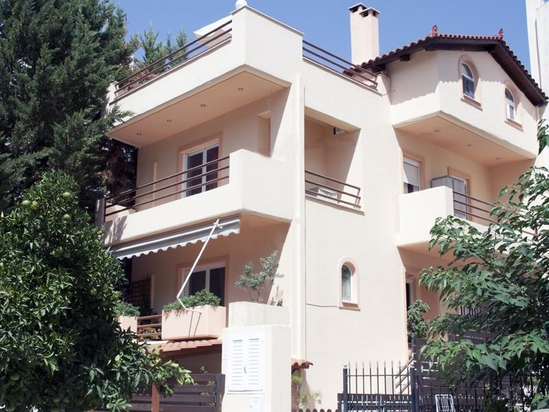 Luxury House in an Upper Class &Quiet Area., vacation rental in Penteli