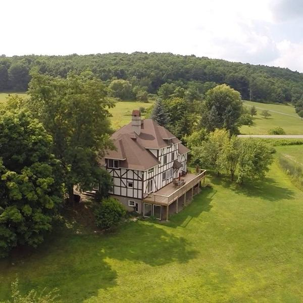 Manor House Estate – semesterbostad i Hammondsport