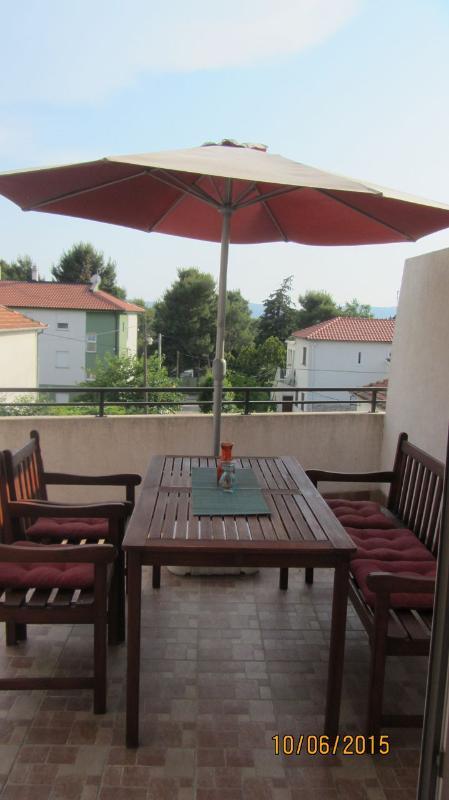 A2(4): terrace