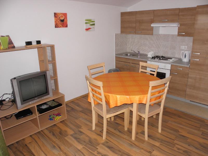 A1(4): kitchen and dining room