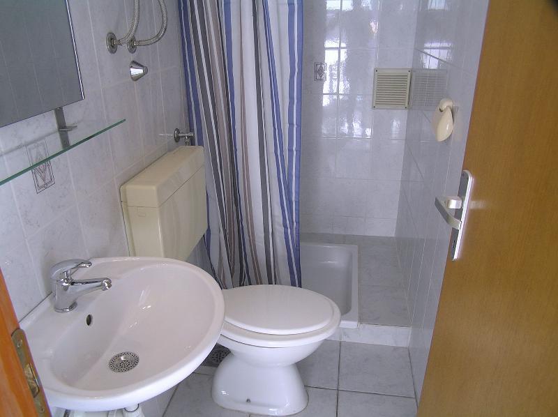 A3(4): bathroom