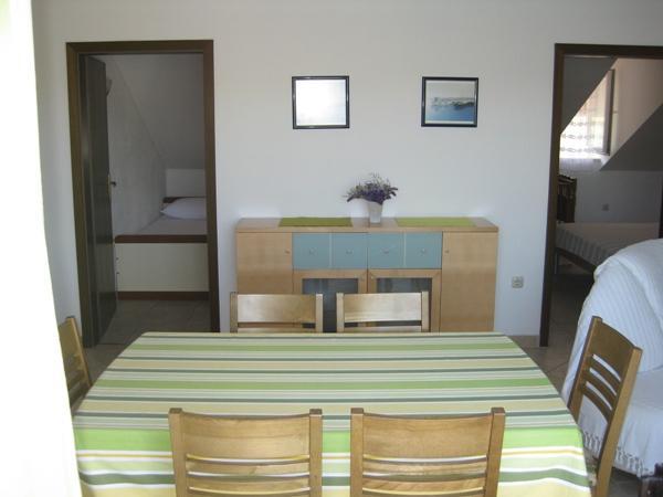 A3 drugi kat (4+2): dining room