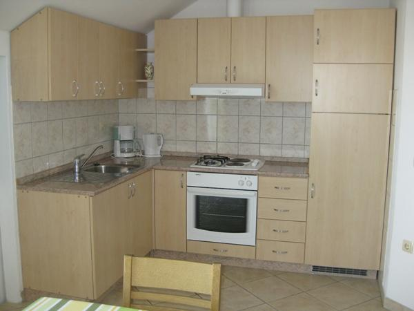 A3 drugi kat (4+2): kitchen