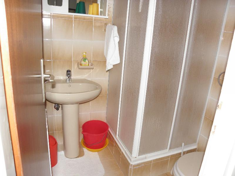 Mali (2+1): bathroom with toilet