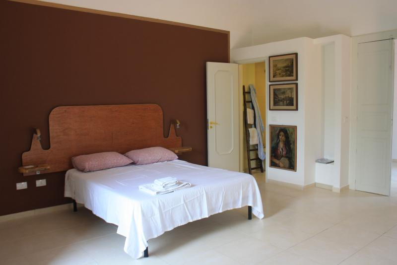 L'ATELIER, antica casa siciliana, vacation rental in Giarre