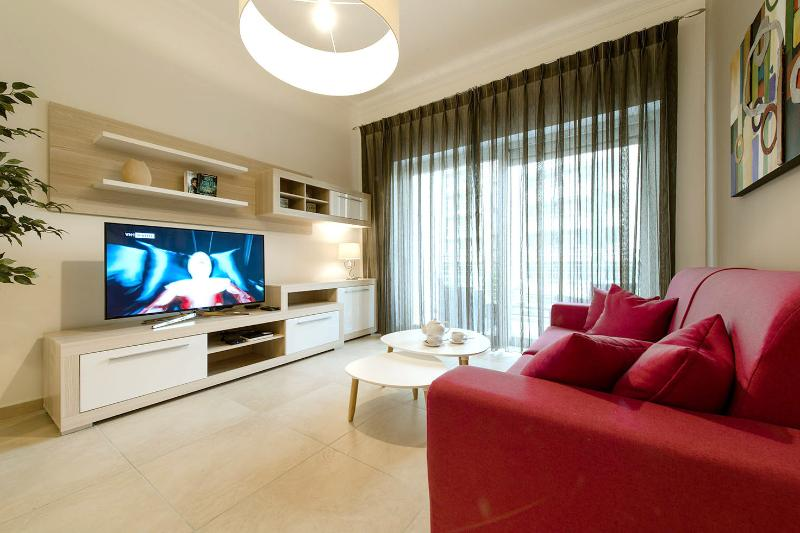 Living Area equipped with 50' Smart LCD TV and Free WiFi