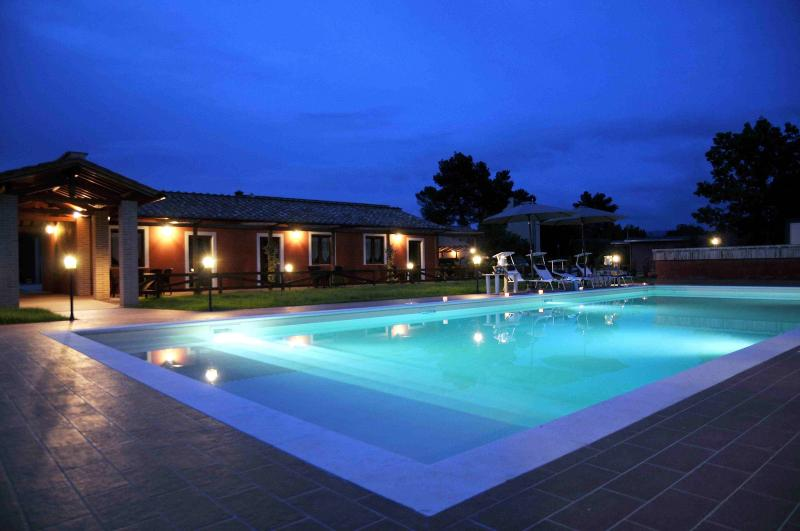 PODERE CALLEDRO COUNTRY APARTMENT+HORSE RIDING, holiday rental in San Liberato