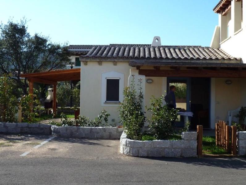 Casavanze Santoreggia. Villetta con giardino., vacation rental in Olbia