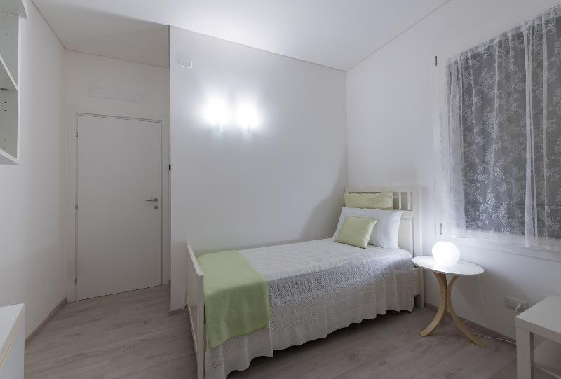 Dafne Bnb - Single Room, vacation rental in Dosson