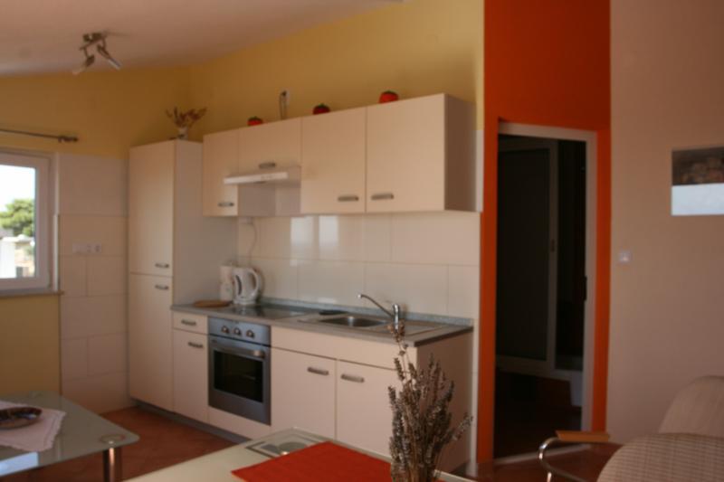 Studio apartment  N°1 kitchen