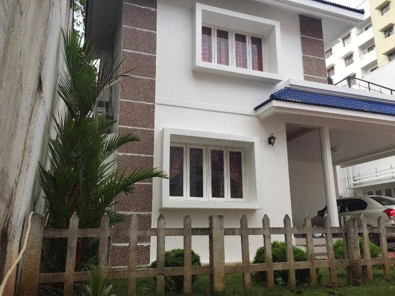 Three bedroom villa, ac, pool, security, park,, holiday rental in Kothamangalam