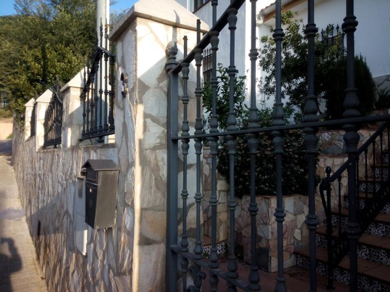 Vista parcial de la fachada exterior
